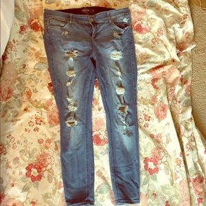 Distressed jeans plus size